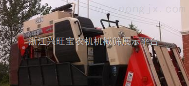 供应汇众农用新型小麦收割机
